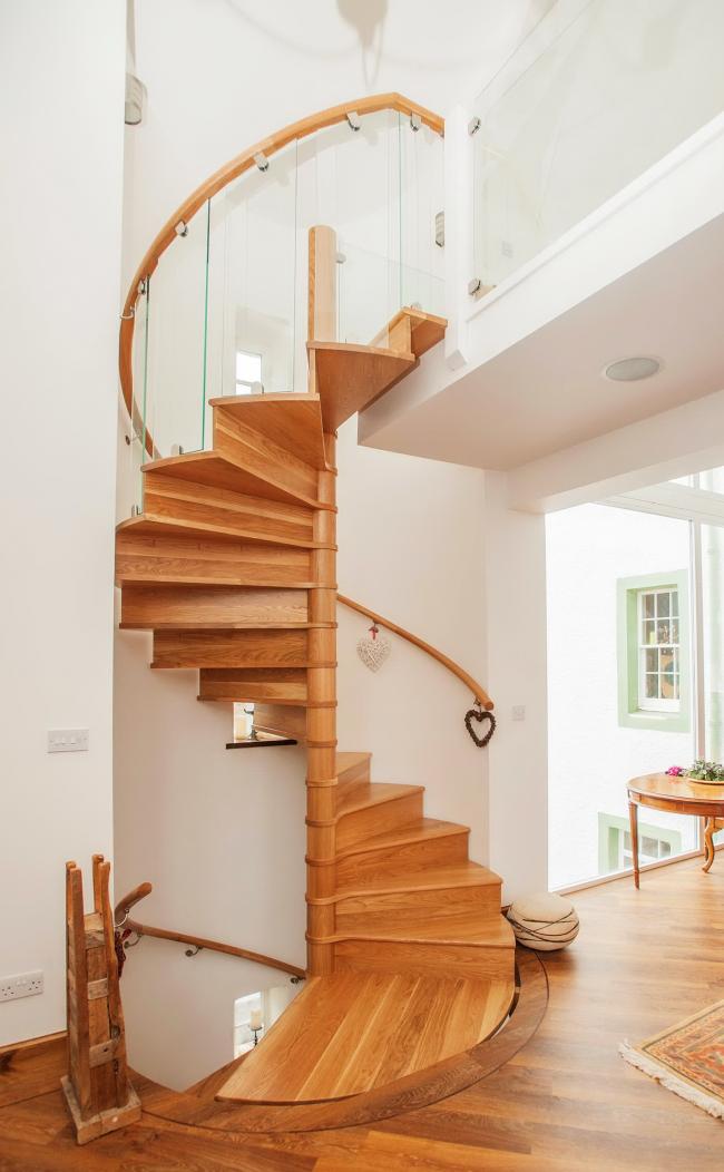 Escalier en colimaçon gracieux