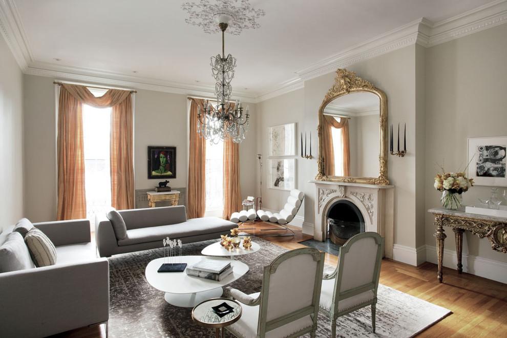 Lors de la décoration d'une pièce de style néoclassique, vous devez tout réfléchir dans les moindres détails