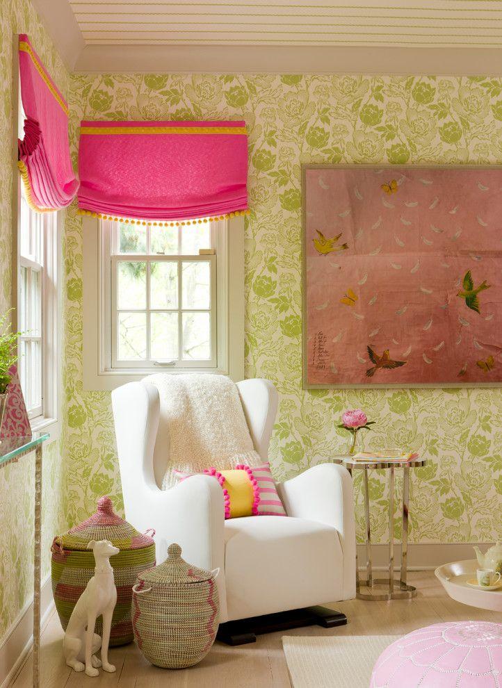 Beaux murs vert clair avec un motif floral