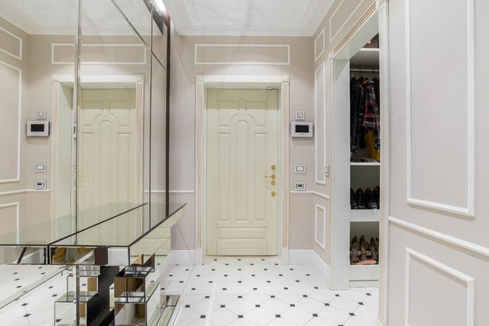 conception de portes à l'intérieur dans le style néoclassique