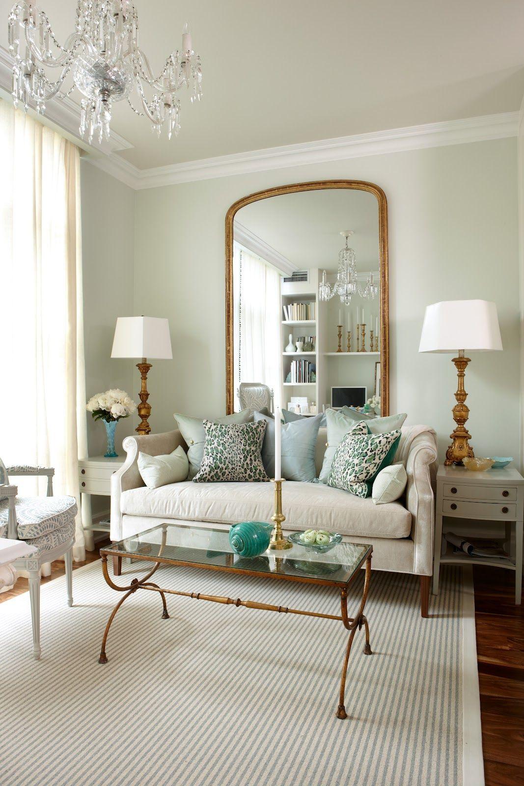 Socle de plafond - décoration décorative de la pièce