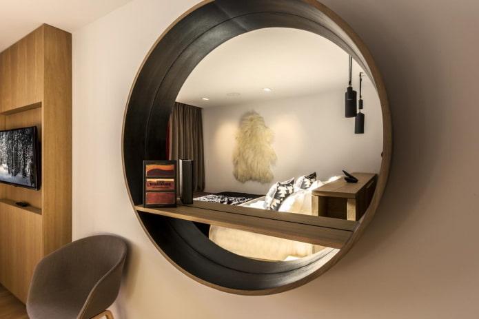 étagères murales rondes à l'intérieur