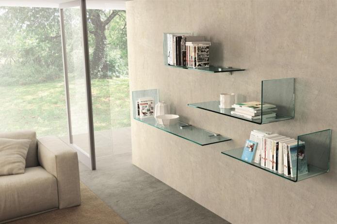 étagères murales en verre à l'intérieur
