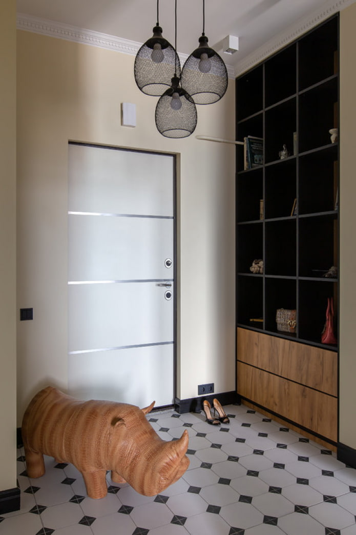 meubles dans le couloir