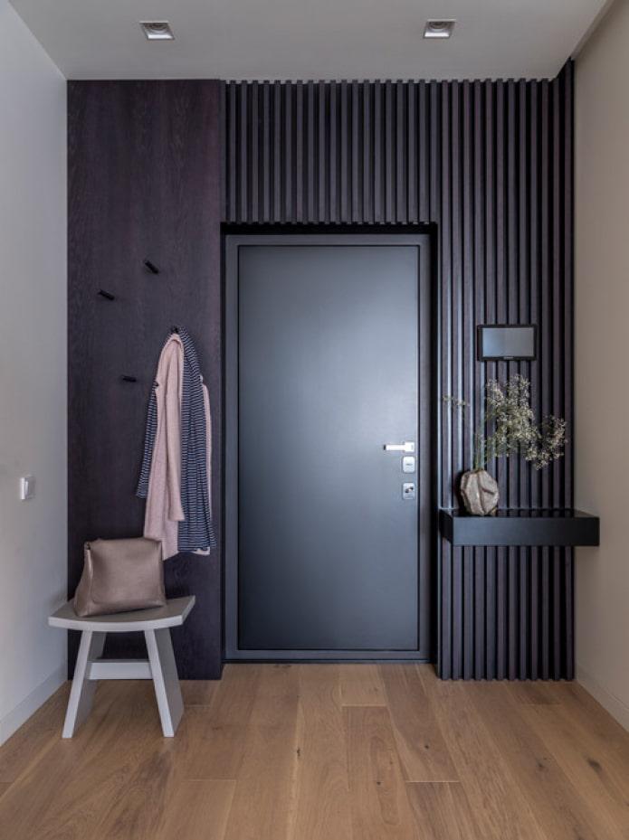 décoration de la porte d'entrée de l'appartement