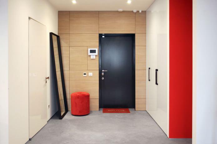 hall d'entrée spacieux aux accents rouges