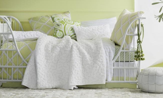 Fraîcheur et légèreté - une combinaison de pistache et de blanc dans les textiles de maison