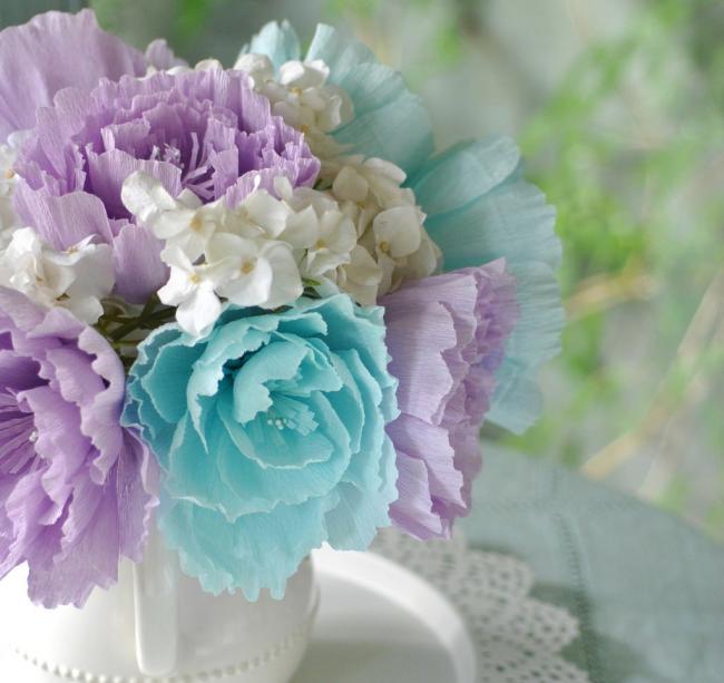 Un merveilleux bouquet délicat restera debout jusqu'à ce que vous vous ennuyiez