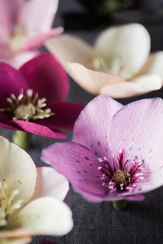 Fleurs en papier délicates