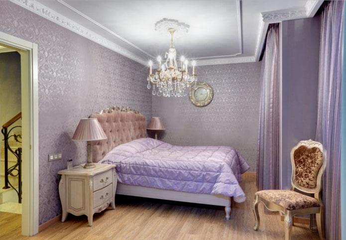 papier peint violet dans la chambre