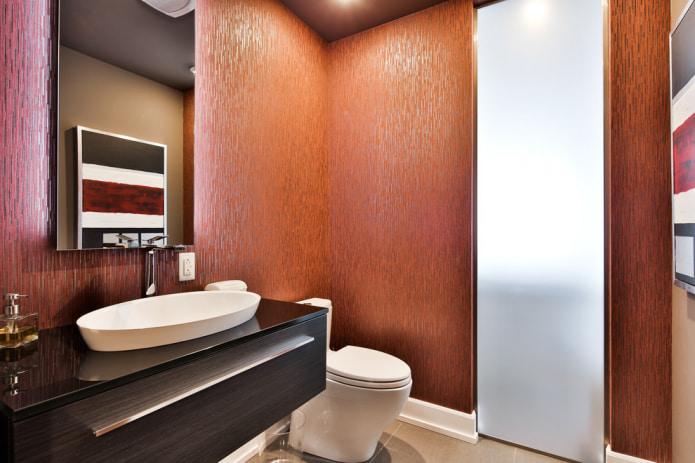 Papier peint lavable dans la salle de bain