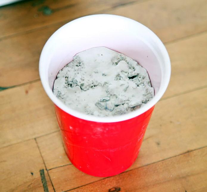 Ciment dans un verre