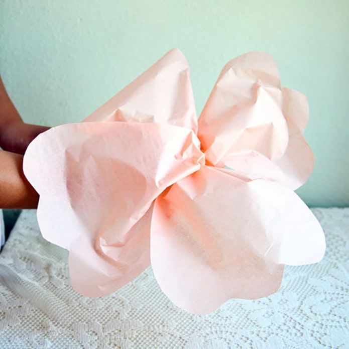 Ramasser une fleur