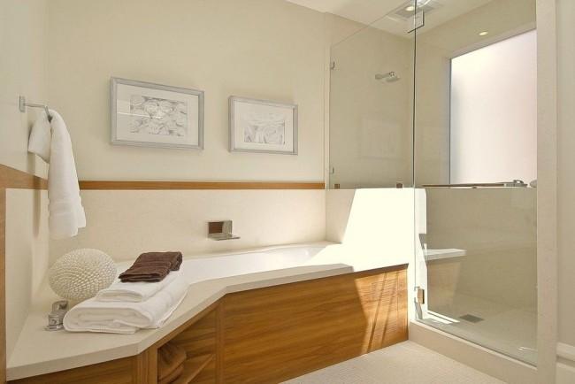 Paravent coulissant pratique et pratique sous la salle de bain