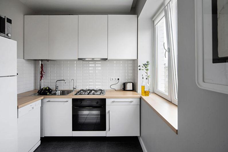 Cuisine blanche à Khrouchtchev - design d'intérieur