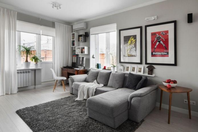 Salon gris à l'intérieur de l'appartement Khrouchtchev