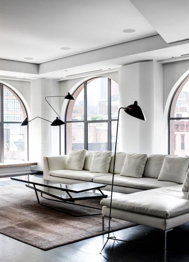 La couleur blanche à l'intérieur rendra la pièce plus spacieuse.