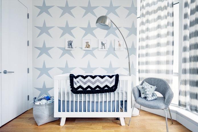 lit bébé blanc à l'intérieur