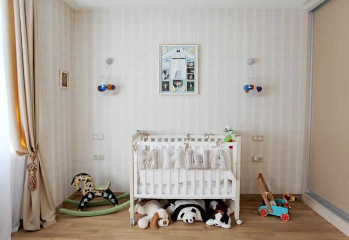 modèle pour un garçon nouveau-né à l'intérieur