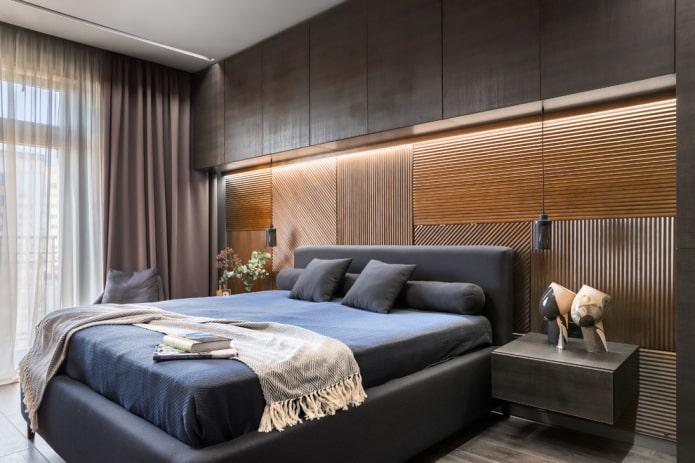 lit avec une tête de lit basse à l'intérieur