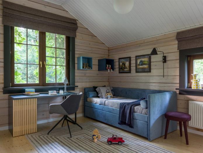 lit avec trois têtes de lit moelleuses à l'intérieur
