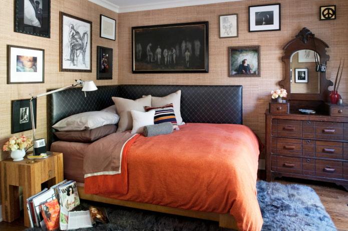 lit d'angle avec dossier moelleux à l'intérieur
