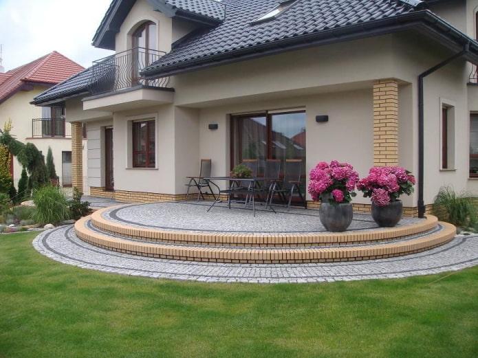 maison porche ronde