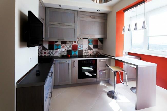 Une solution rentable est la combinaison d'une cuisine et d'un balcon.