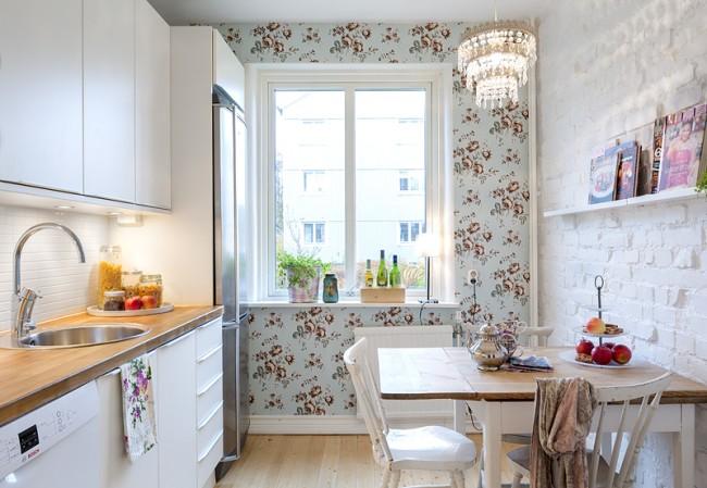Le blanc est la couleur la plus appropriée pour la cuisine à Khrouchtchev