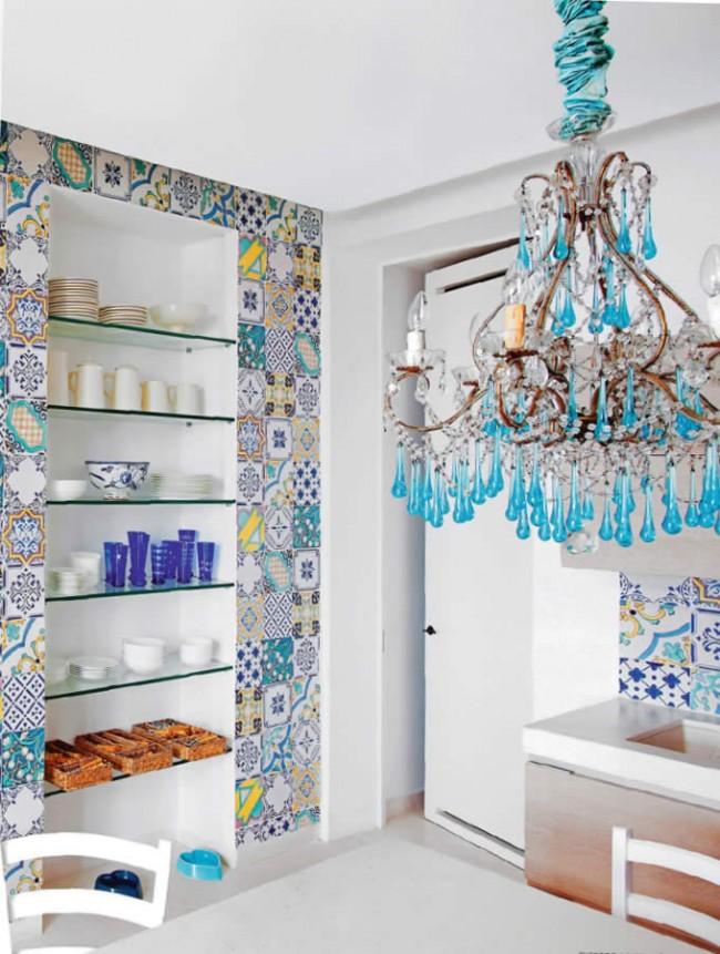 En règle générale, les lustres classiques à la décoration moderne sont disponibles dans une large gamme.  Même au fil du temps, ils restent pertinents et appréciés des acheteurs.