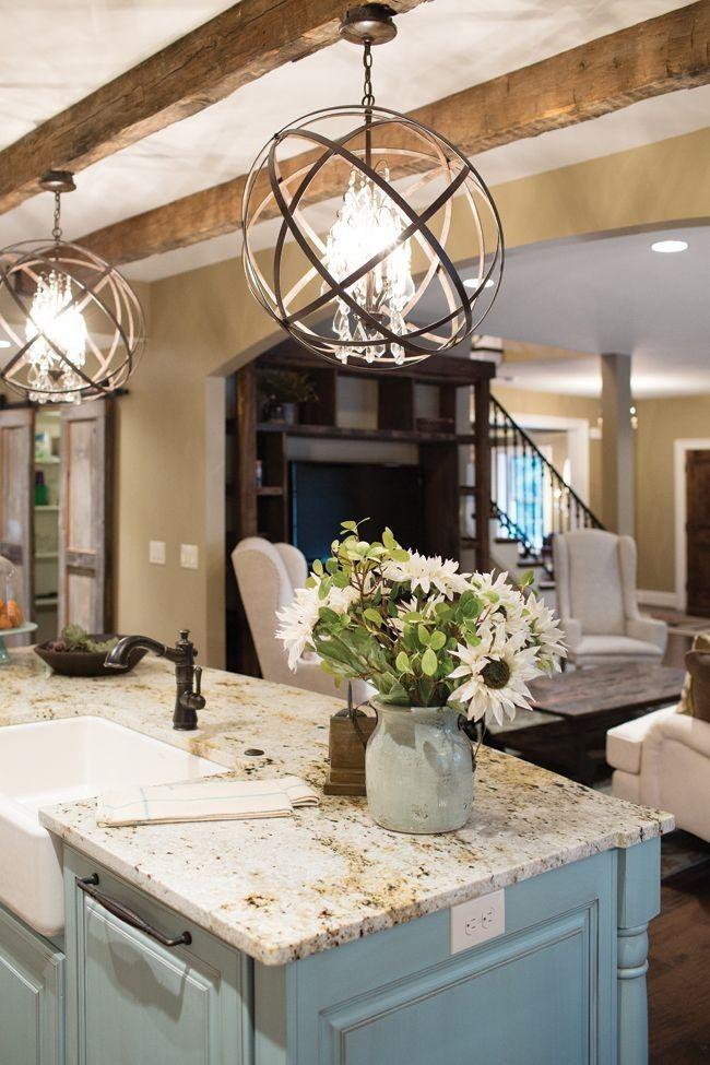 Modernisez votre cuisine avec des idées d'éclairage modernes.