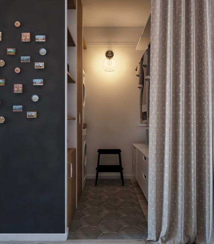 Conception de vestiaire dans un appartement d'une pièce avec gilet