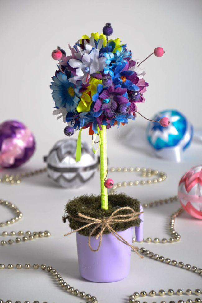 Comment créer un topiaire domestique.  Les possibilités de créativité dans la création de topiaires sont illimitées, elles peuvent être adaptées à toutes les couleurs et à la conception de la pièce