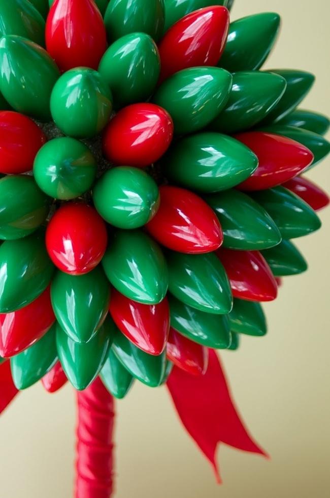 Comment créer un topiaire domestique.  Topiaire composé d'éléments décoratifs en plastique brillant