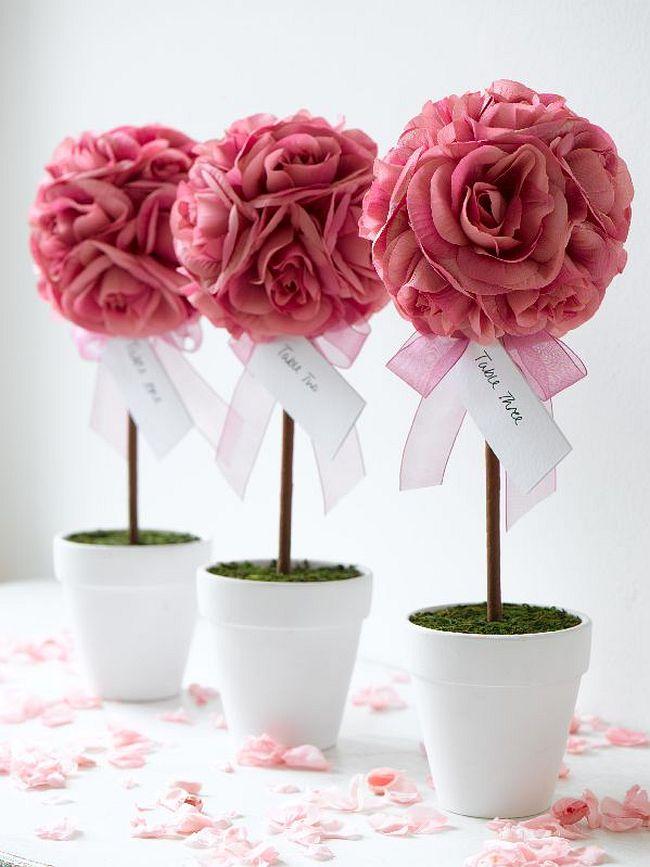 Comment créer un topiaire domestique.  Topiaire romantique modeste mais très beau dans le cadre de la décoration de table de mariage pour les invités