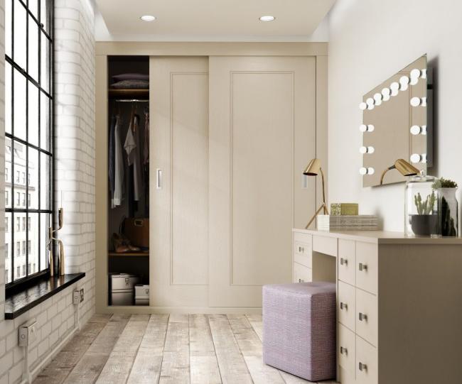 Le mobilier spacieux et pratique est parfait pour le couloir
