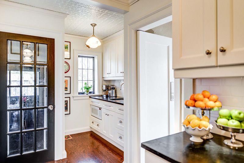 Même une petite pièce, faite dans des couleurs claires, semblera beaucoup plus spacieuse.