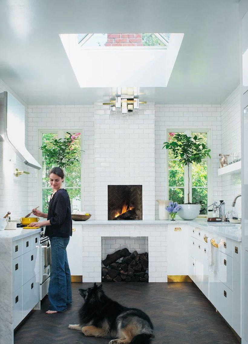 Une petite cuisine avec des meubles bien agencés n'est en aucun cas inférieure à des cuisines grandes et spacieuses