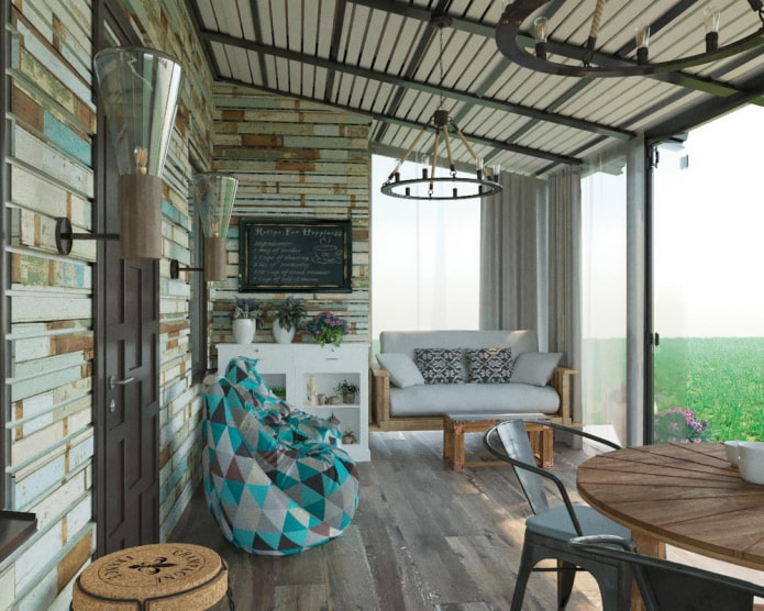 Balcon lumineux dans le style loft