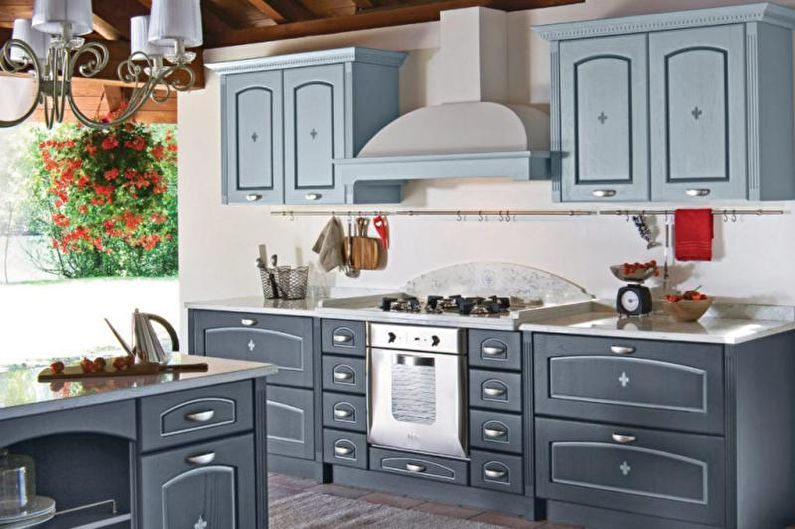 Cuisine grise de style provençal - Design d'intérieur