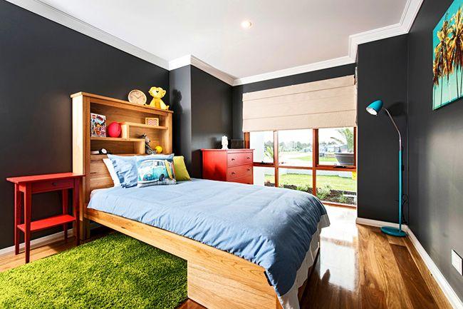 La tête de lit en forme d'étagère est un excellent choix pour ceux qui aiment lire avant de se coucher au lit.  Ceci est particulièrement pratique pour les enfants: vous pouvez y mettre vos jouets préférés, qui ont également besoin de sommeil.