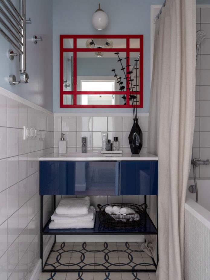 combinaison de rouge et de bleu dans la conception