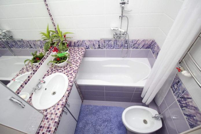 salle de bain dans les tons lilas