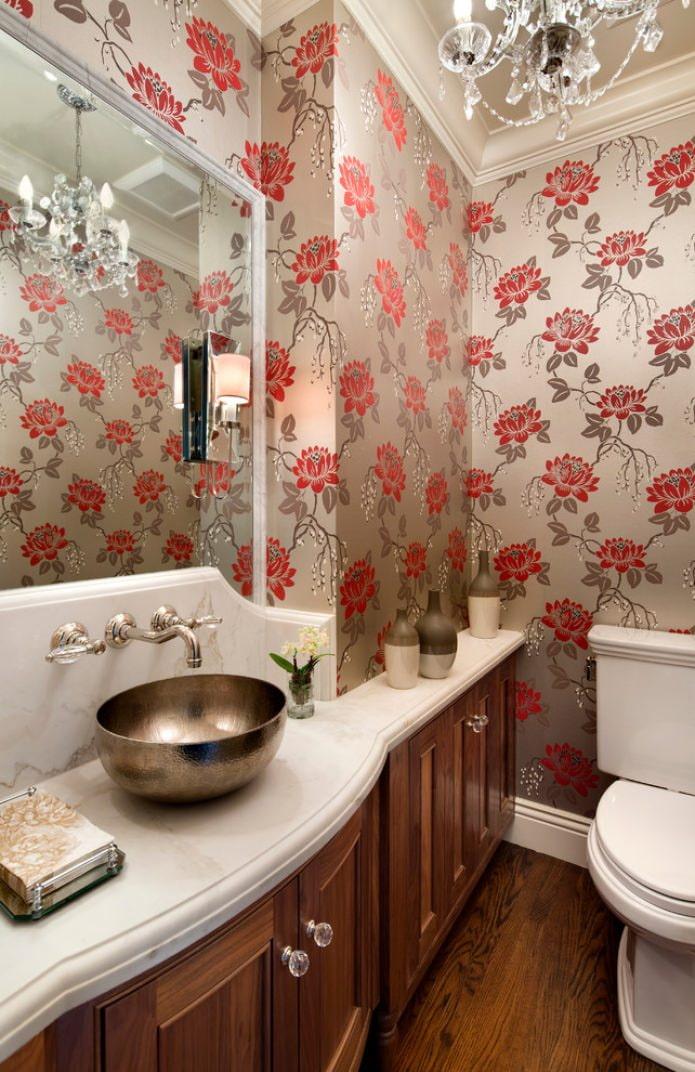 Papier peint dans les toilettes
