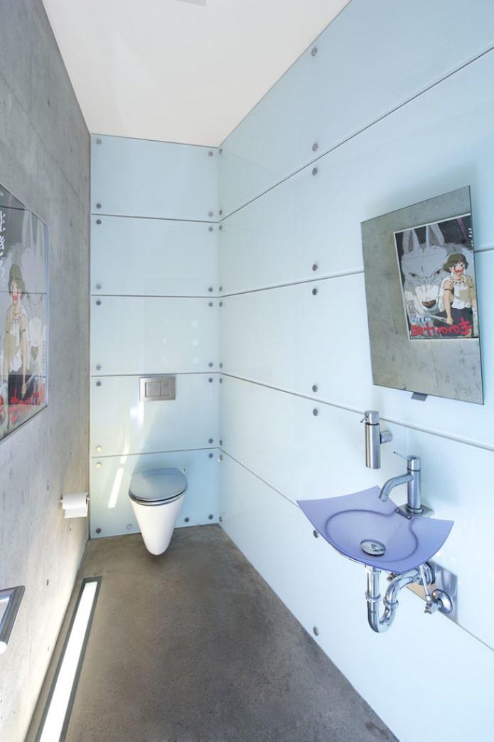 Plancher autonivelant dans la salle de bain