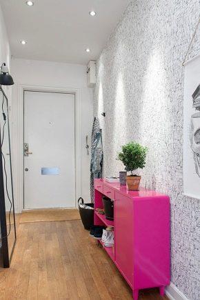 Choisir le papier peint dans le couloir