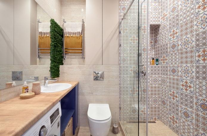 salle de bain combinée avec douche