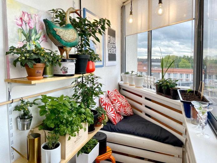 Comment équiper un balcon - des idées douillettes pour tous les goûts