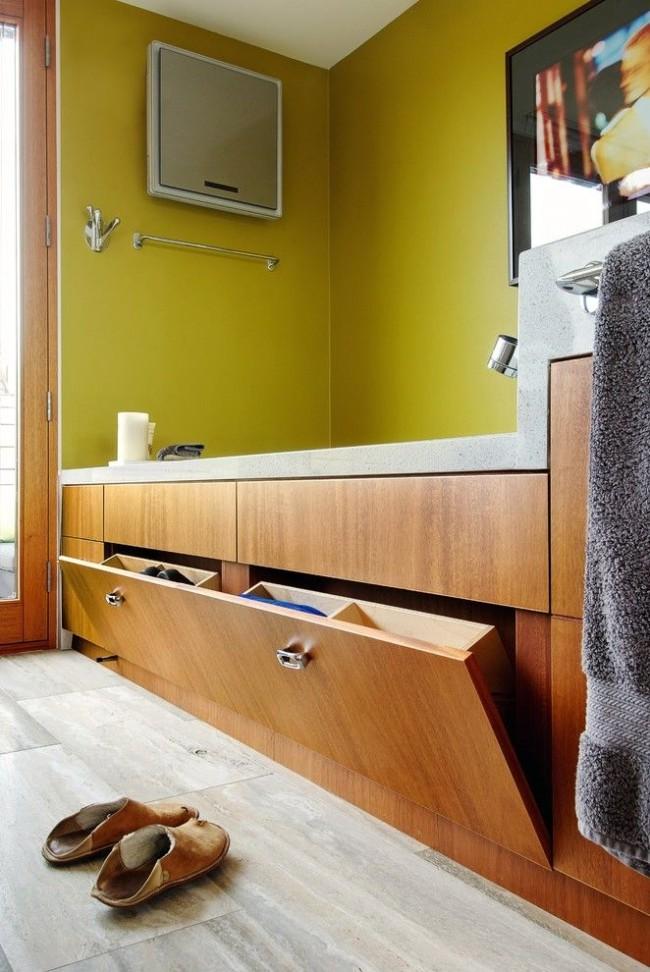 Les écrans de salle de bain sont une excellente option pour ranger les détergents