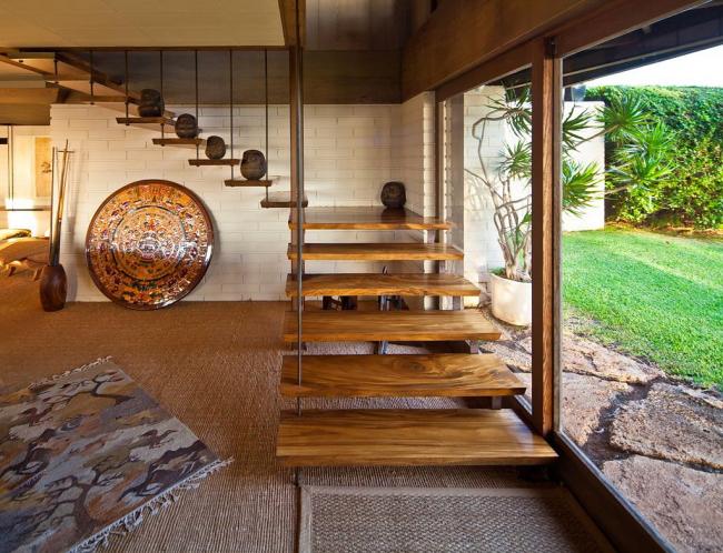 L'escalier est d'une grande importance fonctionnelle - il relie plusieurs étages